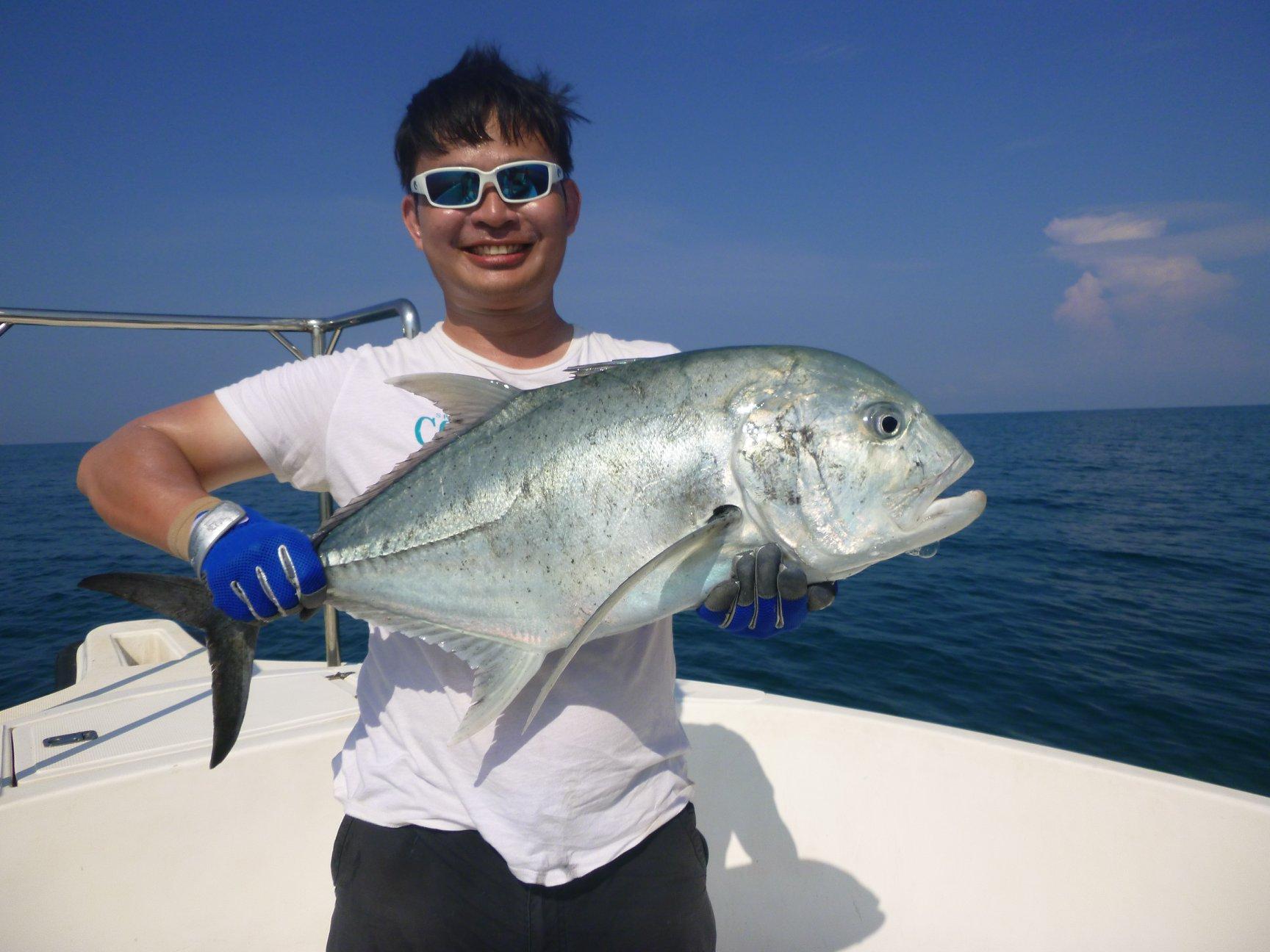 Fishing West Coast Sri Lanka Colombo.jpg