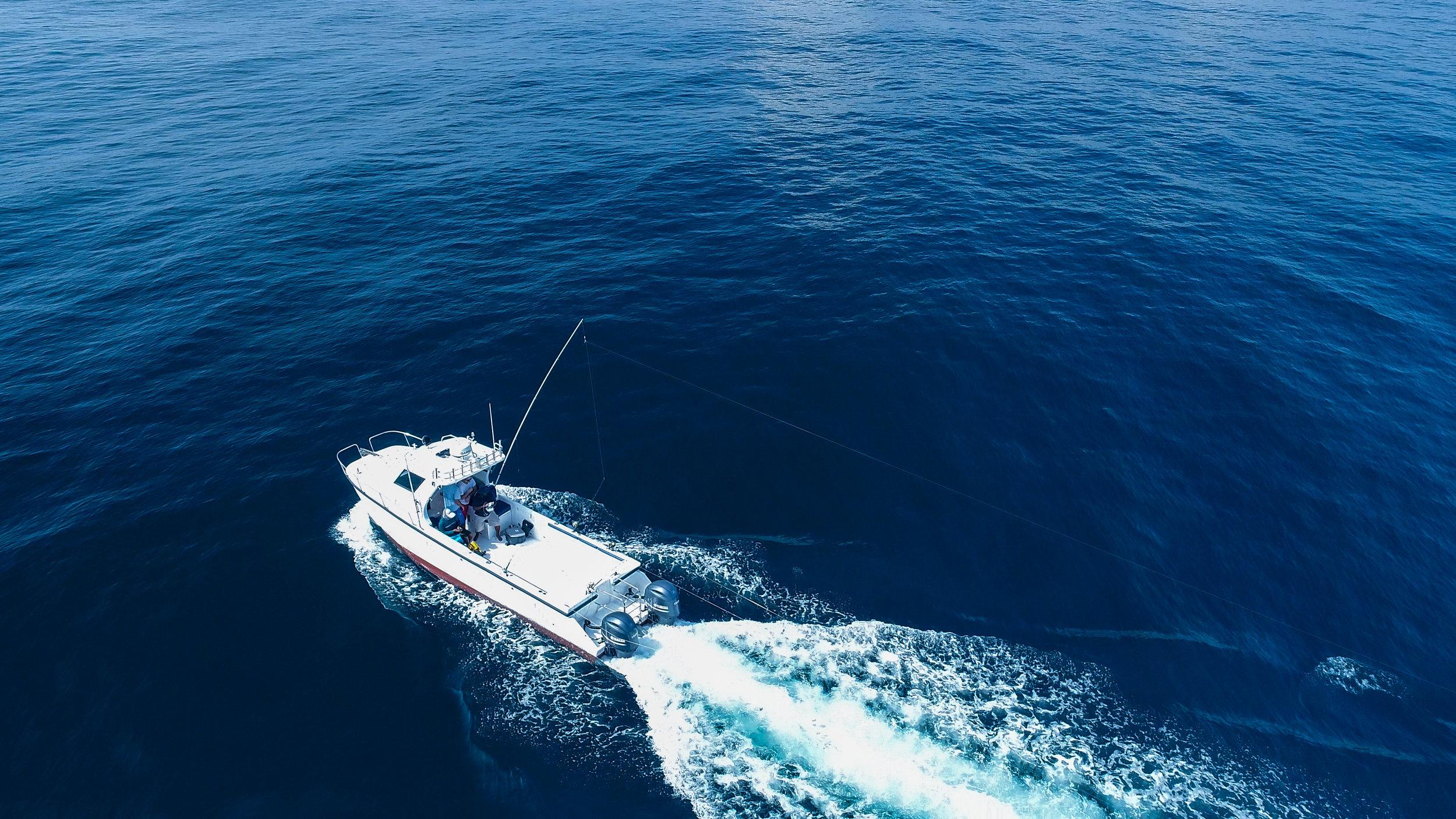 Fishing boat sri lanka deep sea fishing.jpg