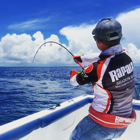 Fred Goh from Rapala South East Asia testing a prototype of new GT popping rod on a powerful Sri Lankan GT. Fish caught on the Rapala Xplode popper. #gtpopping #gtfishing #topwaterfishing #rapala #rapalalures #rapalaxplode #srilankafishing #fishingsrilanka #sportfishinglanka #gianttrevally #gianttrevallyfishing