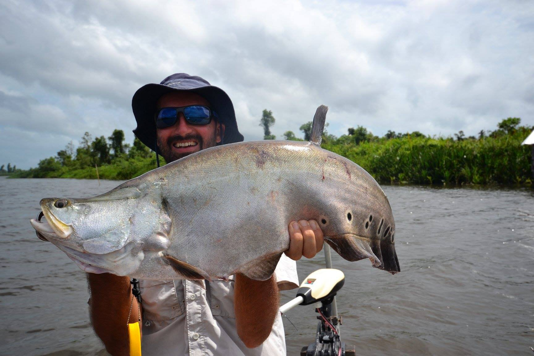 Fishing Bolgoda Lake Sri Lanka.jpg