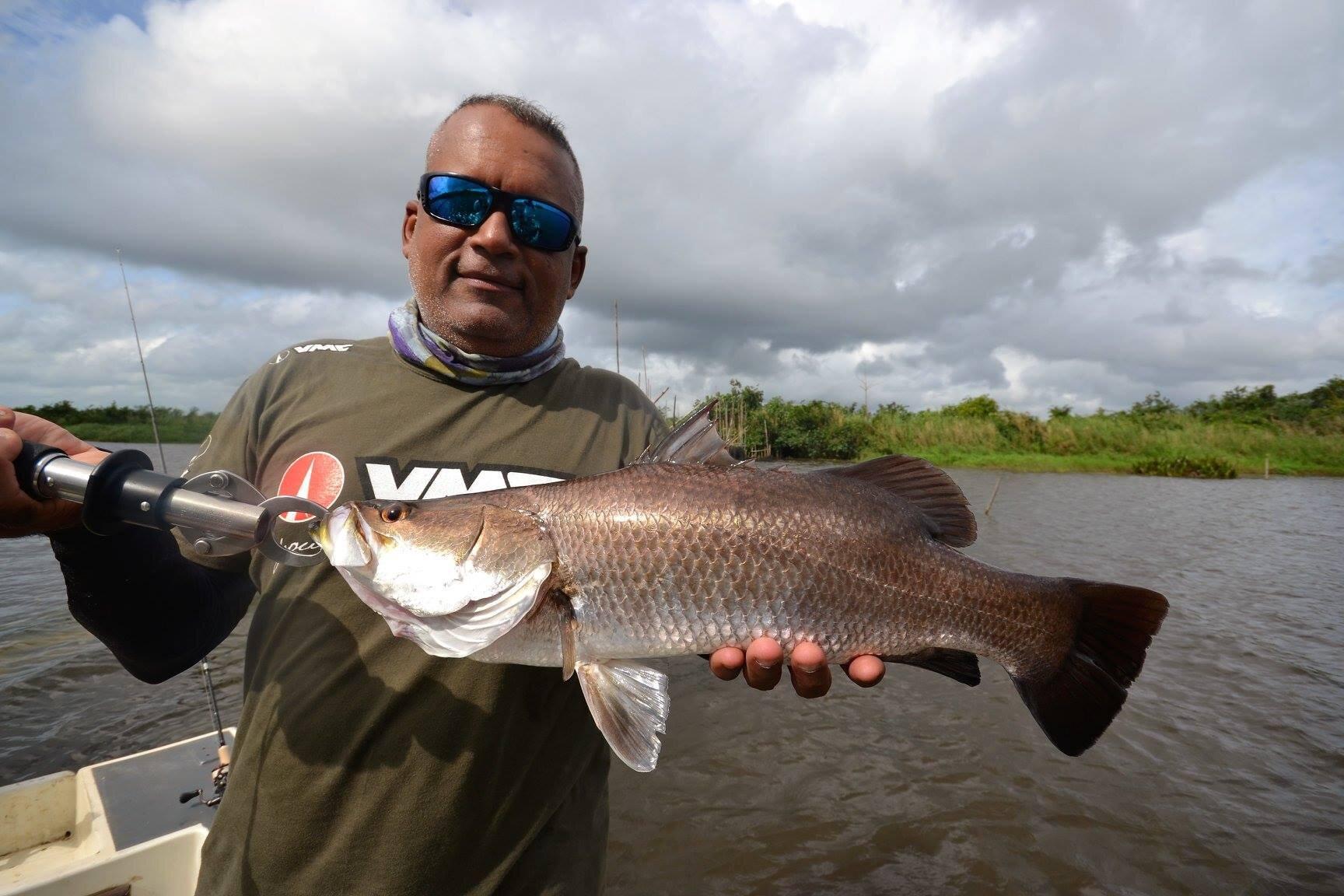 Freshwater fishing Sri Lanka.jpg