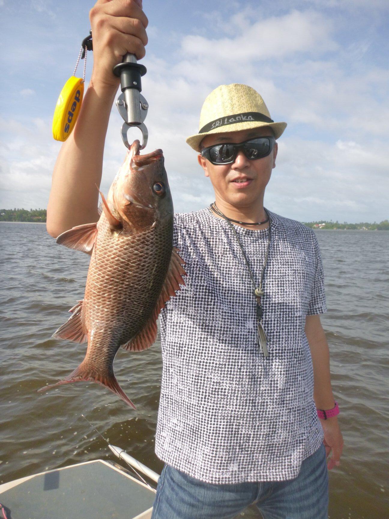 Fishing in Bolgoda Lake.jpg