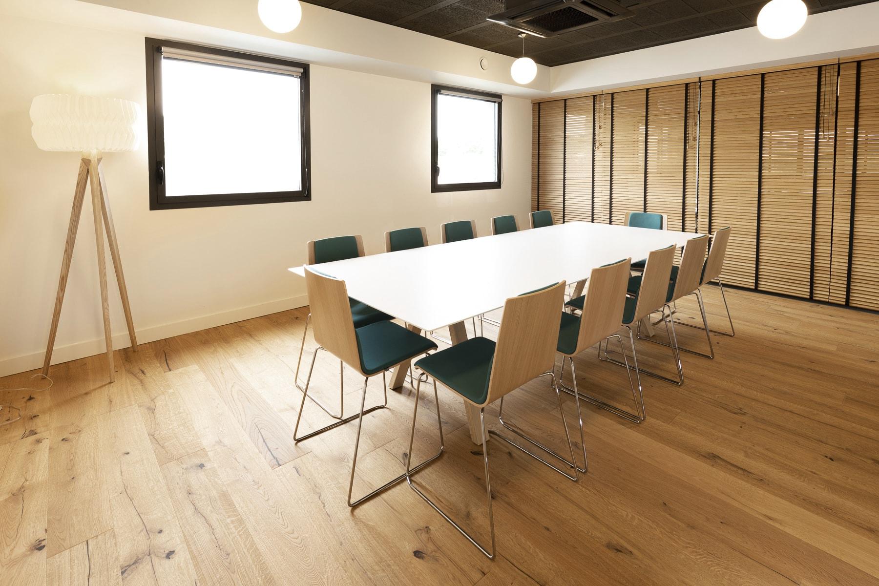 Salle de réunion 12 personnes