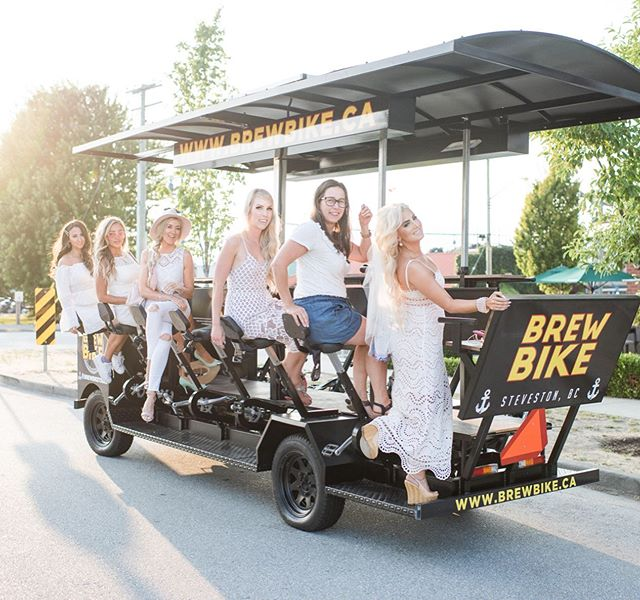 Had so much fun pedaling for wine with these girls and @brewbiketours 🚲🥂 Photo  @brooklyndphotography  @jasminehoffman @glambysarrah @elsacorsi @bird_ey @brooke_schultz . . . #darlingweekend#weekend#wearthisnext#bellamihair#abmlifeissweet#vancouvermua#blogger_de#summerstyle#kissinfashion#blondie#americanstyle#summerdress#prettylittleiiinspo#vancouverinfluencer#blondies#vancouvermakeup#travelandlife#yegmakeupootdgals#travelblog#vancouverblogger#blondesandcookies#thedscvrr#lbwtravel#summeroutfit