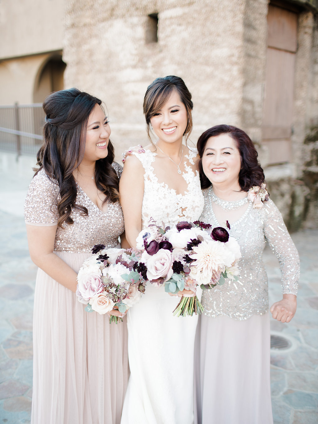 mountain-winery-wedding-personals-floral-JennySoiPhotography.jpg