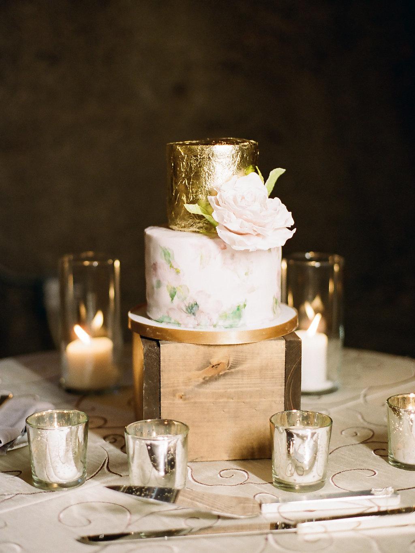 Etta-avenue-wedding-cake-JennySoiPhotography.jpg