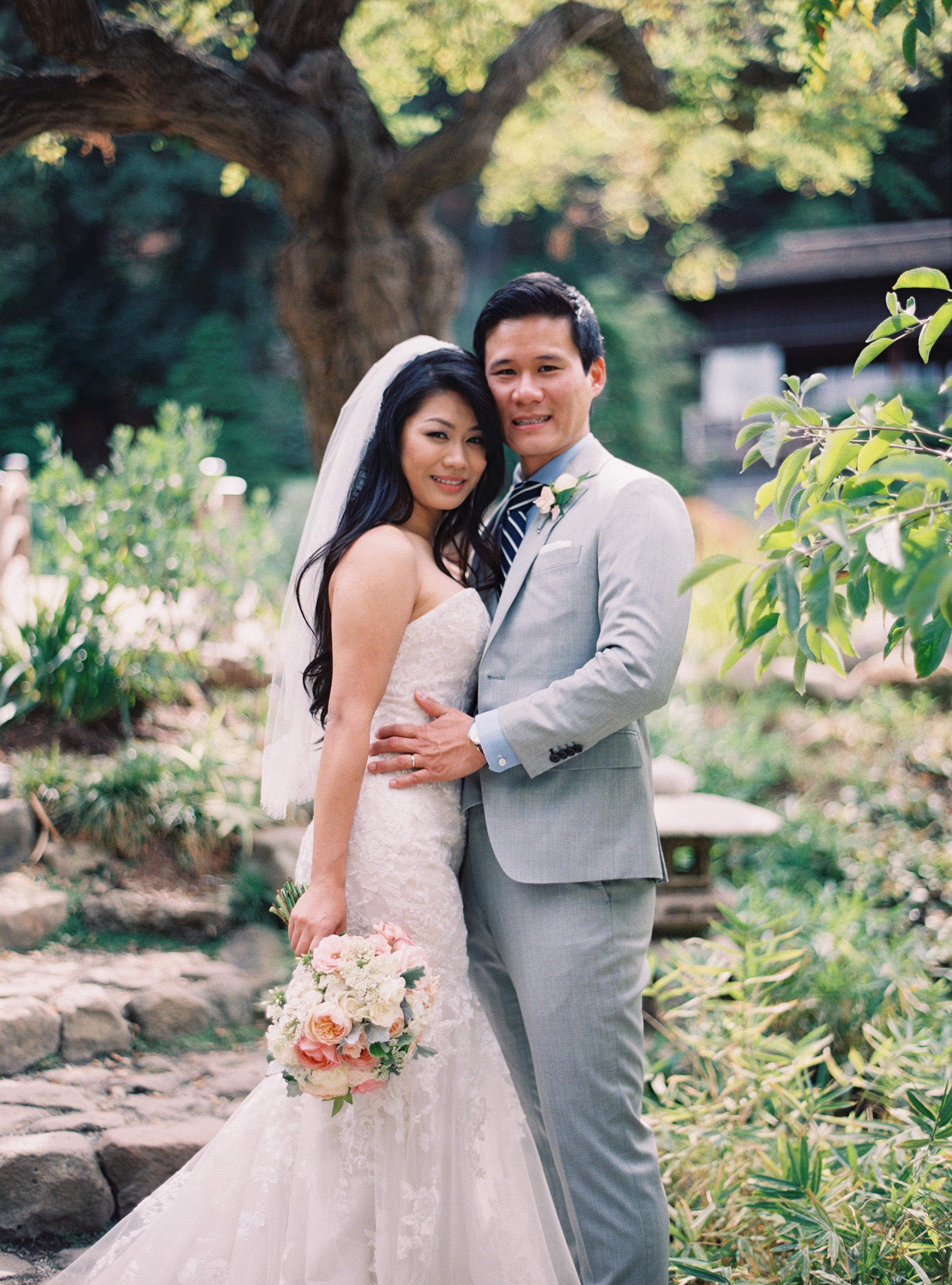 LindaTranPhotography-Flowerstory-Saratoga-wedding-garden.jpg