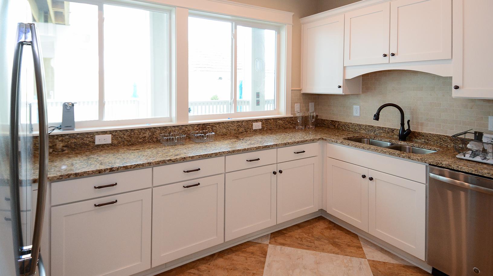 KD1111-kitchenette.jpg