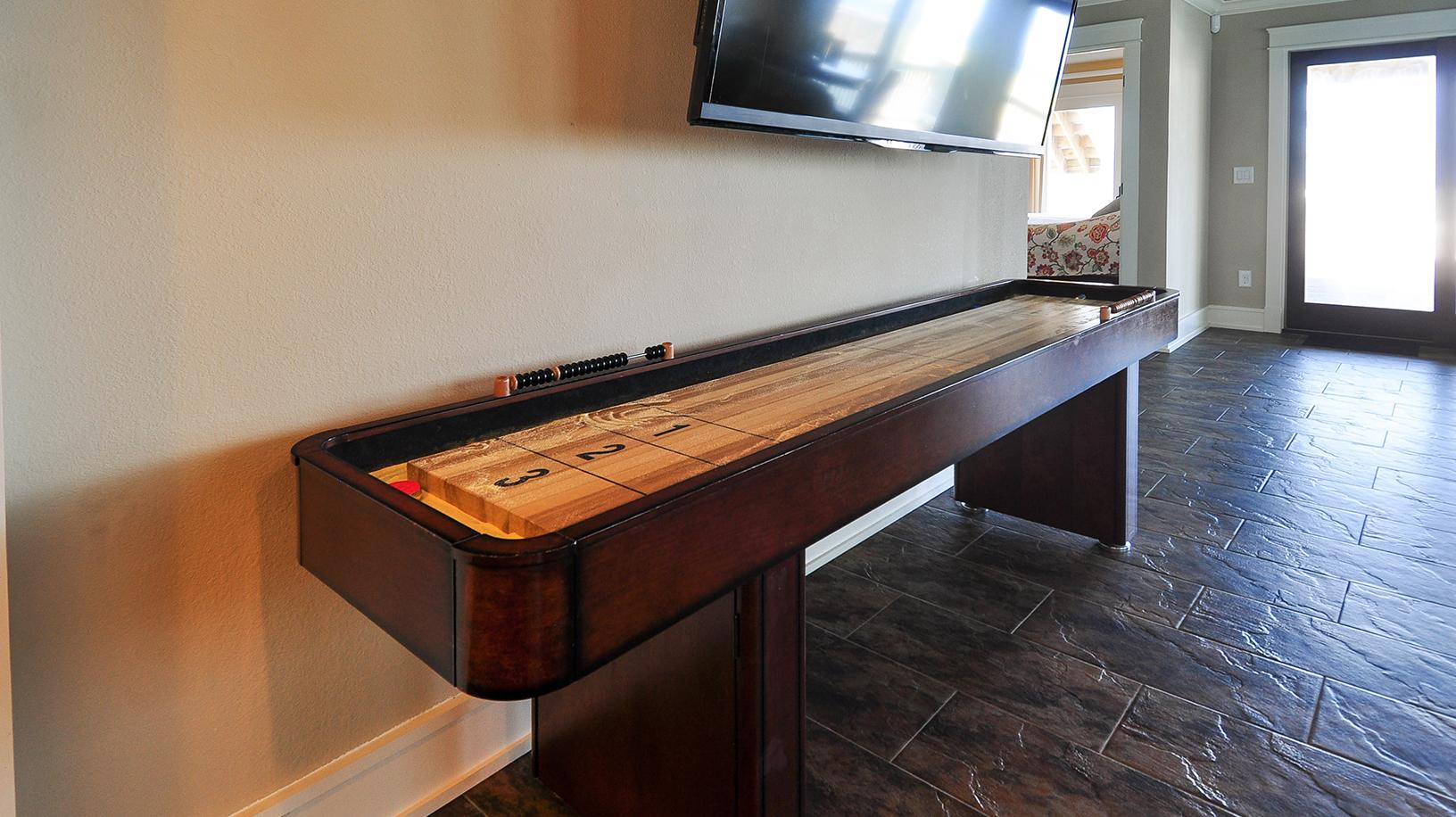KD1409-shuffleboard.jpg