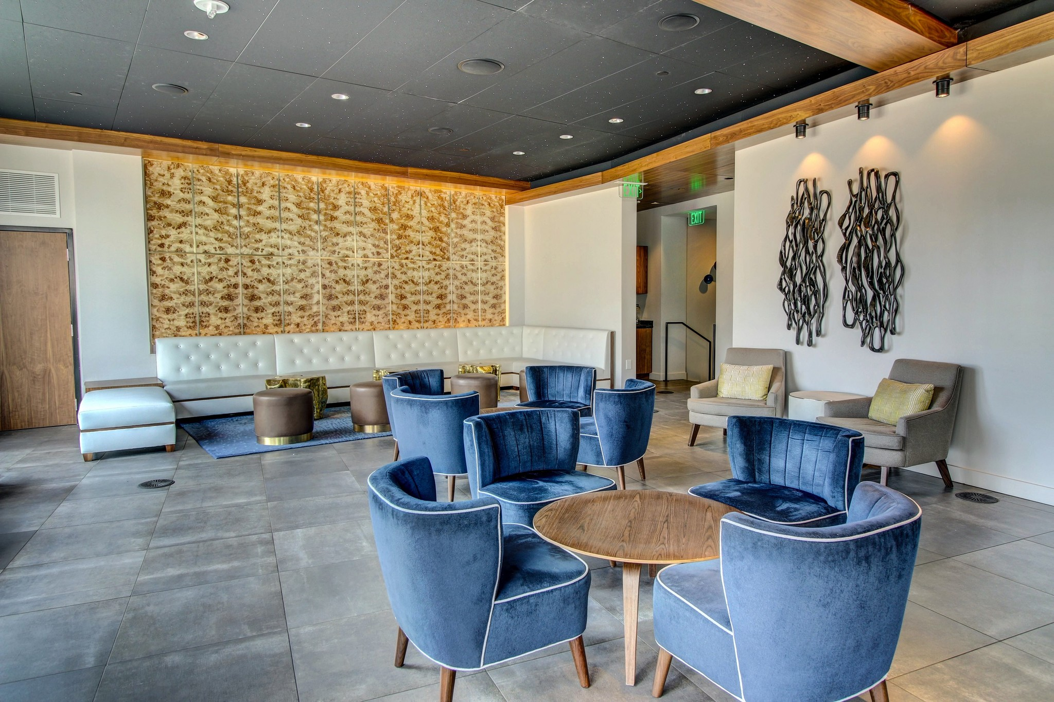 the-statler-residences-dallas-tx-waterproof-rooftop-bar-and-lounge-next-t.jpg