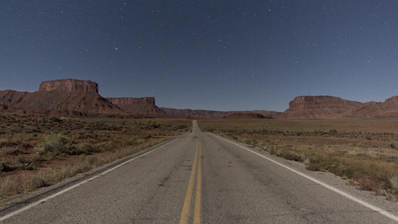 02_44_UT_Road_Moab.jpg
