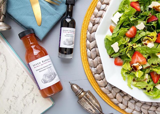 🌤🥗Summer Salads kicked up a notch with @7barrels balsamic vinegar and this new sirracha-mango 🌶 oh baby, my tastebuds are wide awake now! . . . . Recipe: - your favorite greens (i used a mixed greens blend) - sliced strawberries - your favorite firm salty cheese (i used feta) - drizzle drizzle drizzle your @7barrels balsamic vinegar all over your salad 🥗 - optional: add croutons or sliced almonds for a lil crunch #7barrels #balsamicvinegar #sirracha #mango #sponsored #sevenbarrels #evoo #infusedoliveoil Check out the link in my bio for more about 7Barrels