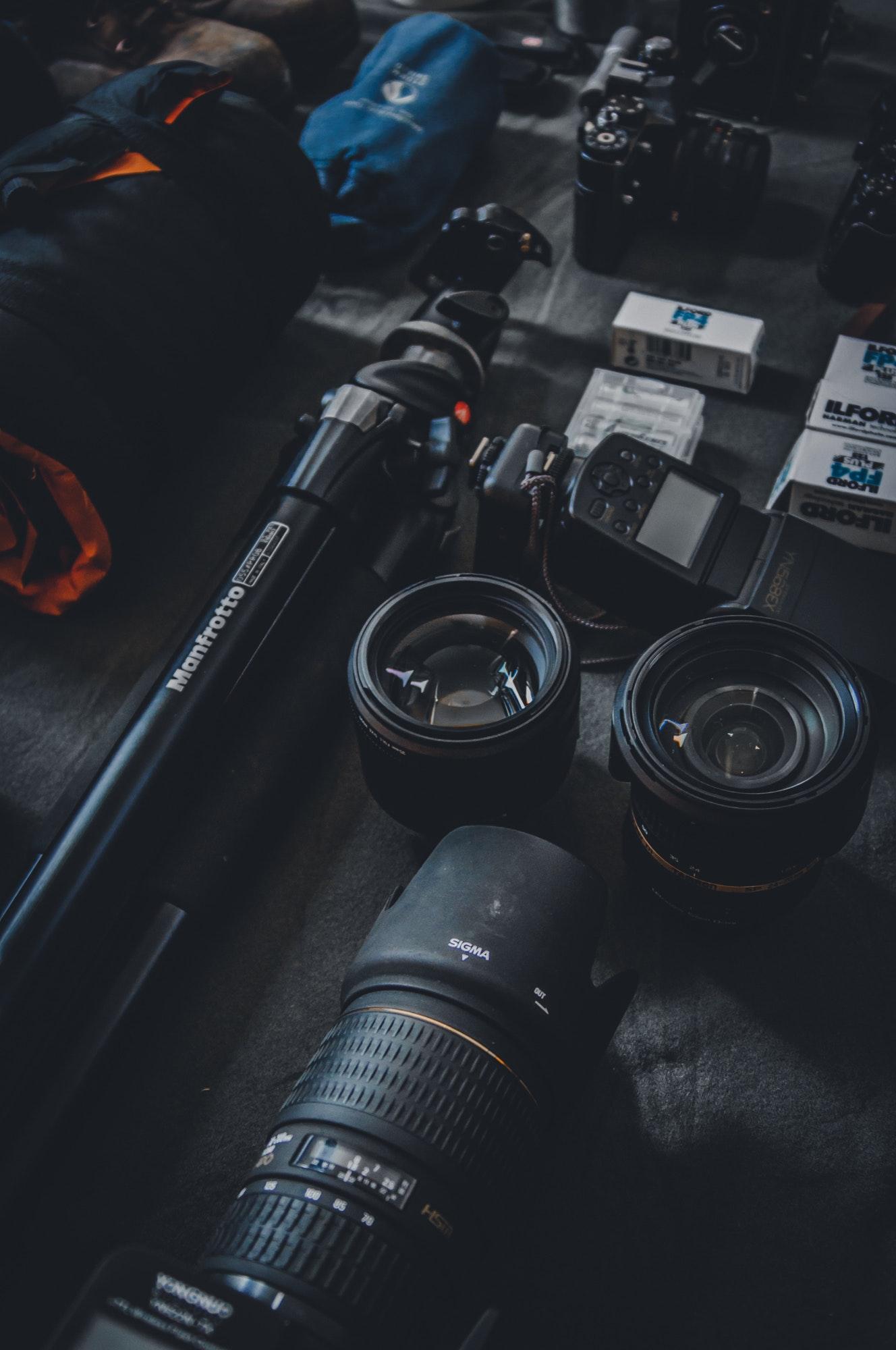 camera-close-up-device-821749.jpg