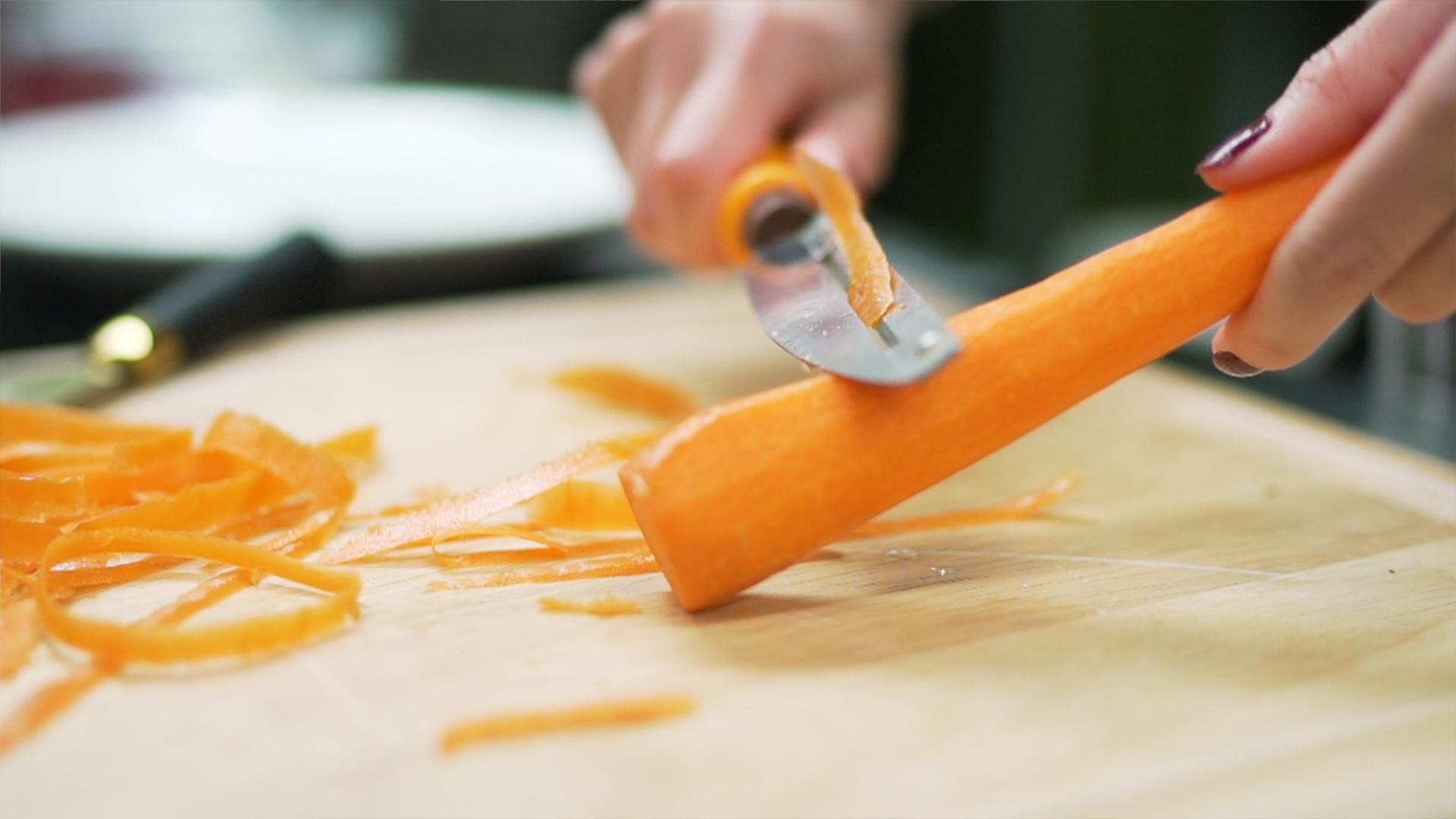 peel carrots.jpg