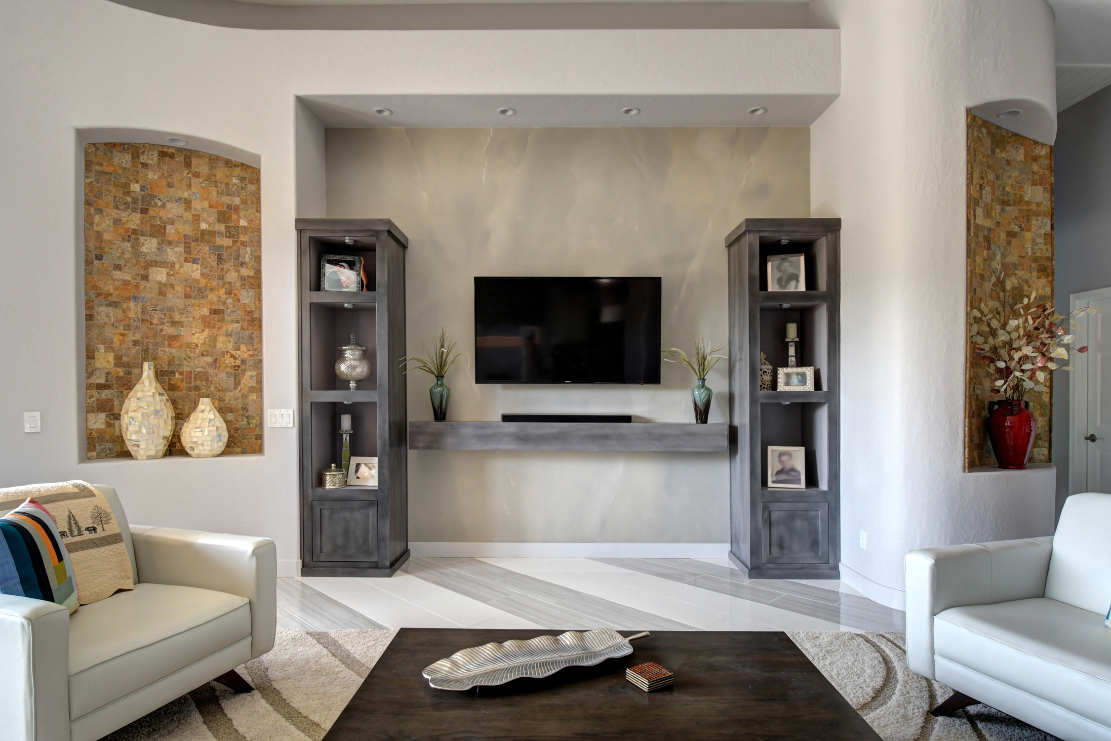 Soft faux finish with a gentle touch of directional veining.