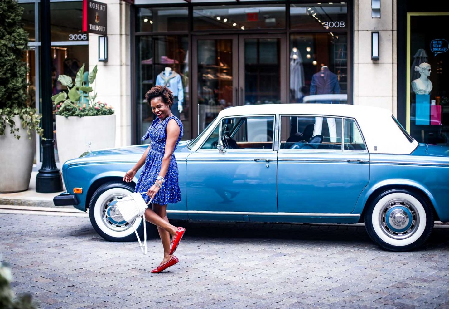 Atlanta-blogger-wearing-Tod's-Gommino-Driving-Shoes-and-Tod-white-bag-in-a-Rolls-Royce-6-1440x990.jpg