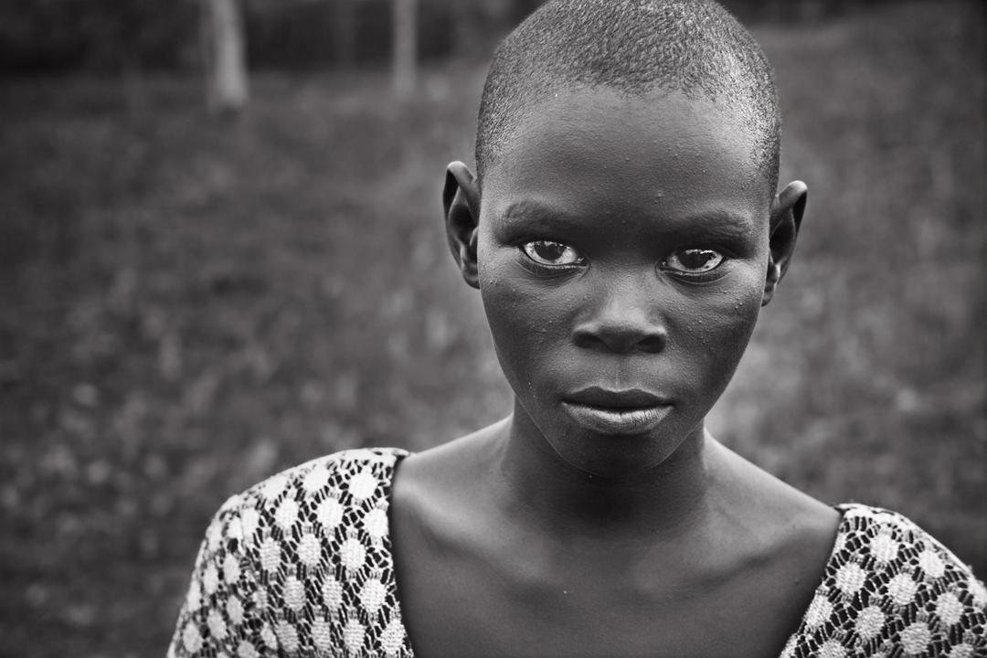 RW_AfricanGirlFace_3183bw.jpg