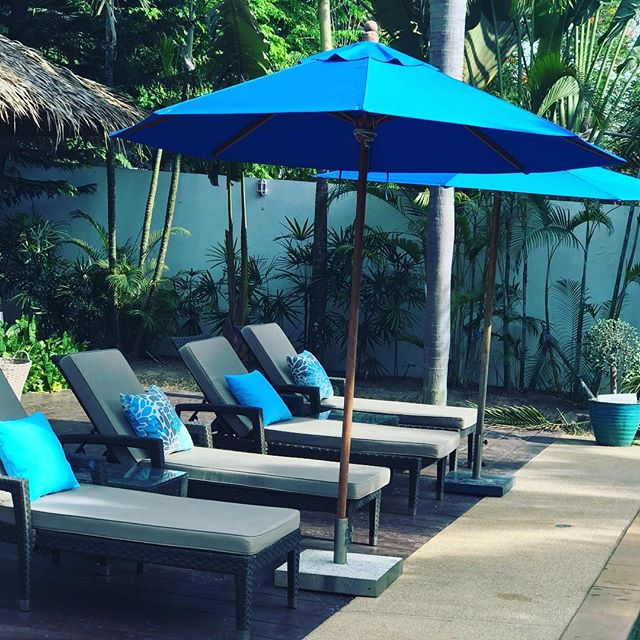 Accessorising our sun loungers with these gorgeous waterproof cushions so guests can sit back relax, read or snooze in the Samui sun! #airbnb #tripadvisor #homeaway #kohsamui