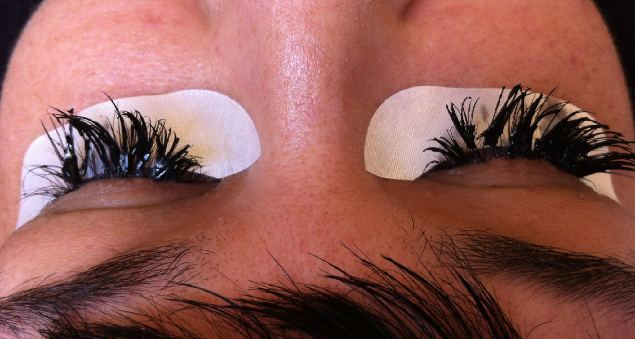 An example of poorly applied lash extensions