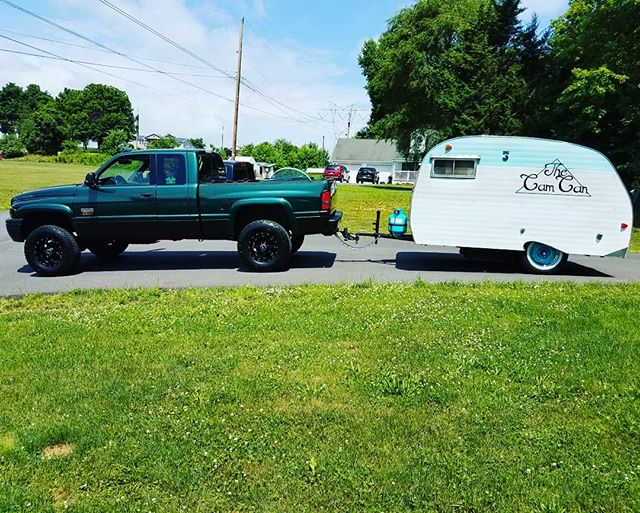 It's a beautiful day! We are ready for today's wedding! The cam can photobooth.  #weddings #vintage #scottycamper #weddingday #bride #groom #weddingparty #wedding #trailer #truck #graduation #partys #proms #specialevents #mobilephotobooth #fun #like