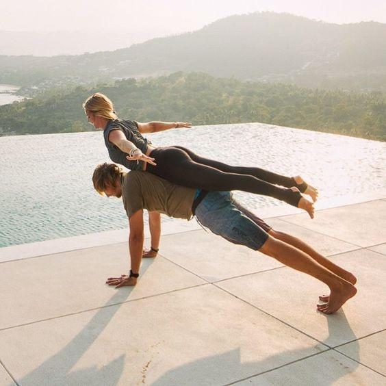 FIT WITH U - kuntotanssitunti - Mitä tulee kun yhdistää zumbaa, helppoja joogaliikkeitä, hauskaa akrobatiaa ja vauhdikkaita lattaritansseja sekä kaksi ihmistä?FIT WITH U - parettain tehtävä hauska kuntotanssitunti!Tunti sopii liikkumista ja harrastusta aloittelevalle tai jo sporttihirmuille pariskunnille, kavereille ja vaikka perheenjäsenille!Tunnille voit tulla myös yksin jolloin yhdistelemme pareja , harjoitusten välissä pareja voidaan myös vaihdella.Voit myös kuntoilla ja tanssia vain oman parisi kanssa!Tätä hauskempaa tapaa liikkua on vaikeaa kuvitella, tule kokeilemaan ainutlaatuinen uutuustunti! Minkäänlaista liikuntakokemusta et aiemmin tarvitse, jokainen tekee juuri sillä tyylillä ja tavalla kuin itsestä hyvälle tuntuu!Opettajana Merja + Joonas , tunti keskiviikkoisin 18 - 19.