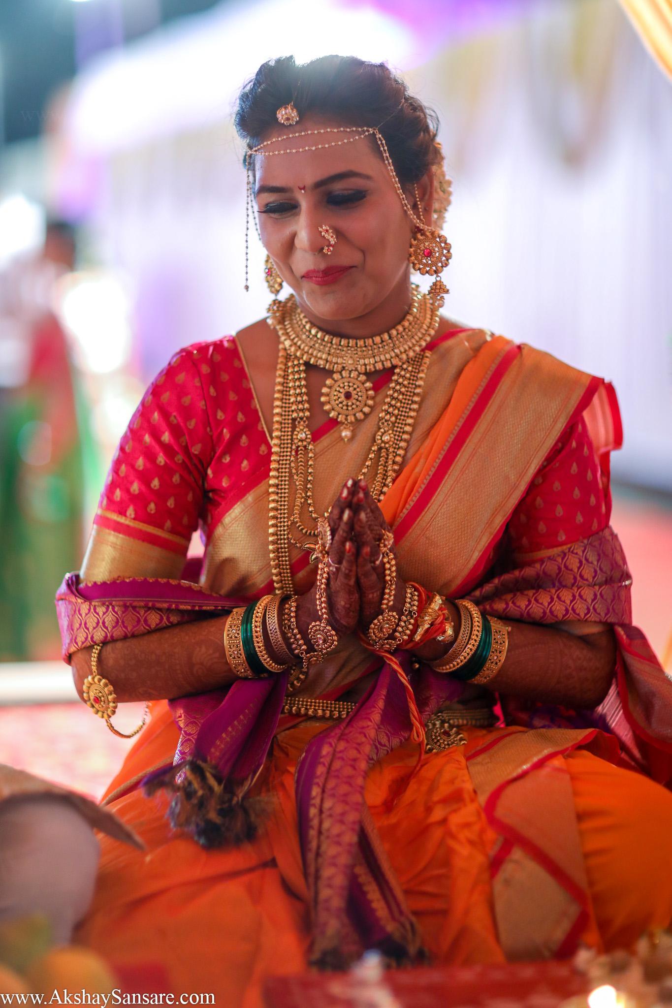 Bhushan Prajakta (17).jpg