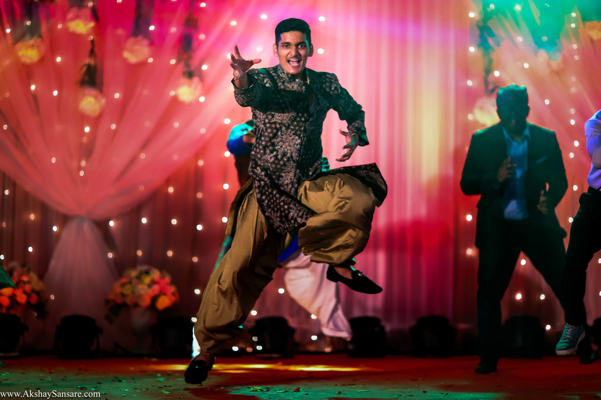 Akshay Sansare Photography Kunal x Shrutika best candid photographers in mumbai(16).jpg