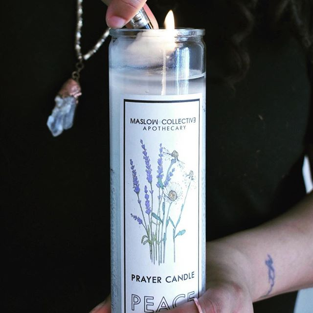 🔥 Looking for PEACE ✌🏽 in your life? The Peace Prayer Candle is the one ☝🏽 In a quiet place, you can read the pray listed on the back, calling in peace and purity in your life. After saying the prayer, light your candle 🕯 📷 @dreasusername 📸 @thebigideala  #maslowcollective #wemakedopestuff #candles #candle #peace #peacecandle