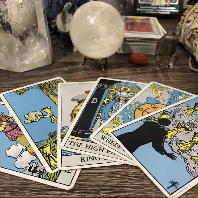 Morning Traditions🌙💙💫💛🙏🏽✨ After prayers and before meditation, I pull one card a day. Follow my journey on @maslowcollective 🔮📿 #maslowcollective #tarotcards #love #cardoftheday #cardoftheday🔮 #wemakedopestuff