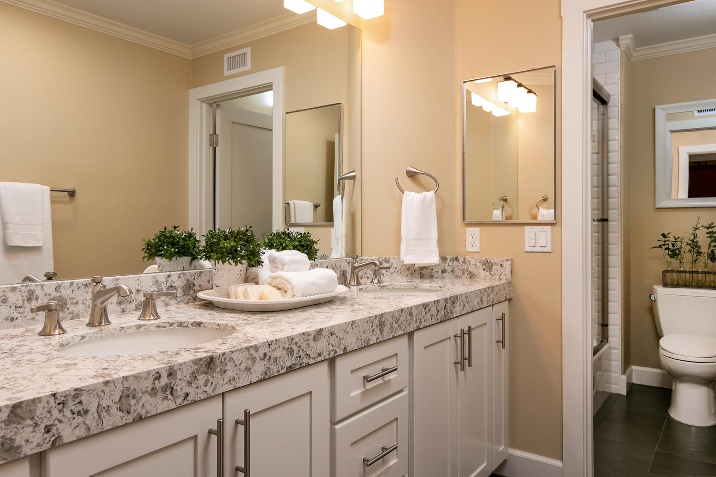 6884 Aviano Dr-029-033-Bathroom-MLS_Size.jpg
