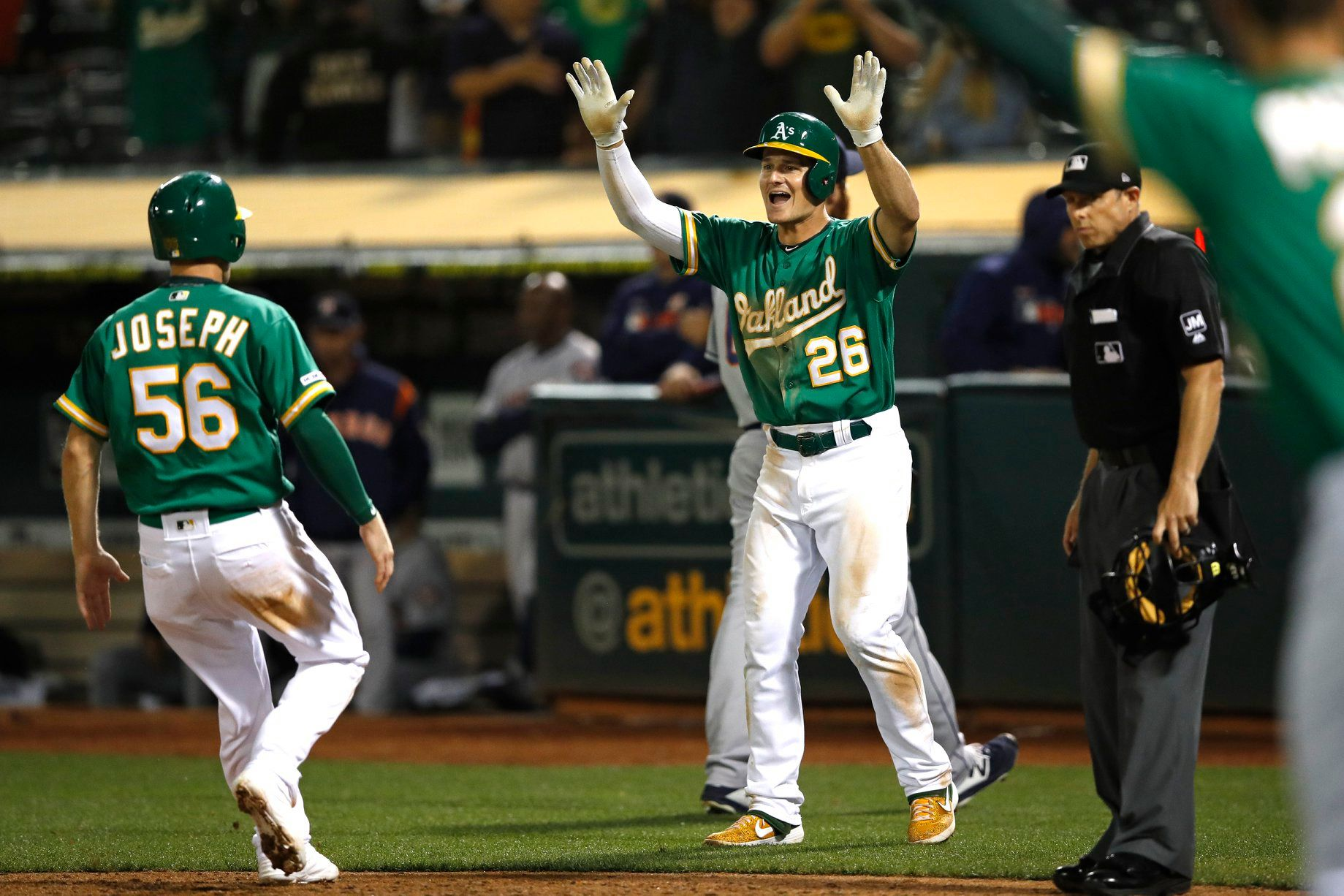 A's over Astros, 3-2, in 13 innings