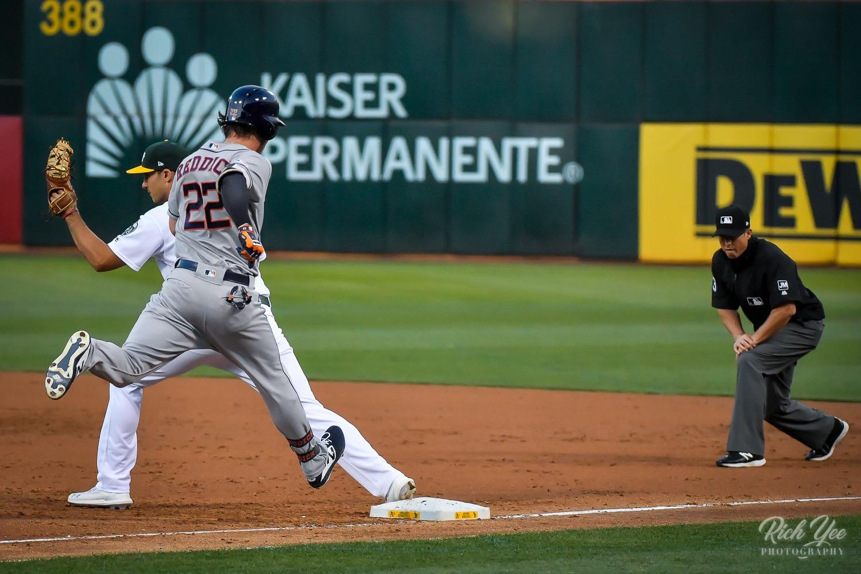 A's 7, Astros 6