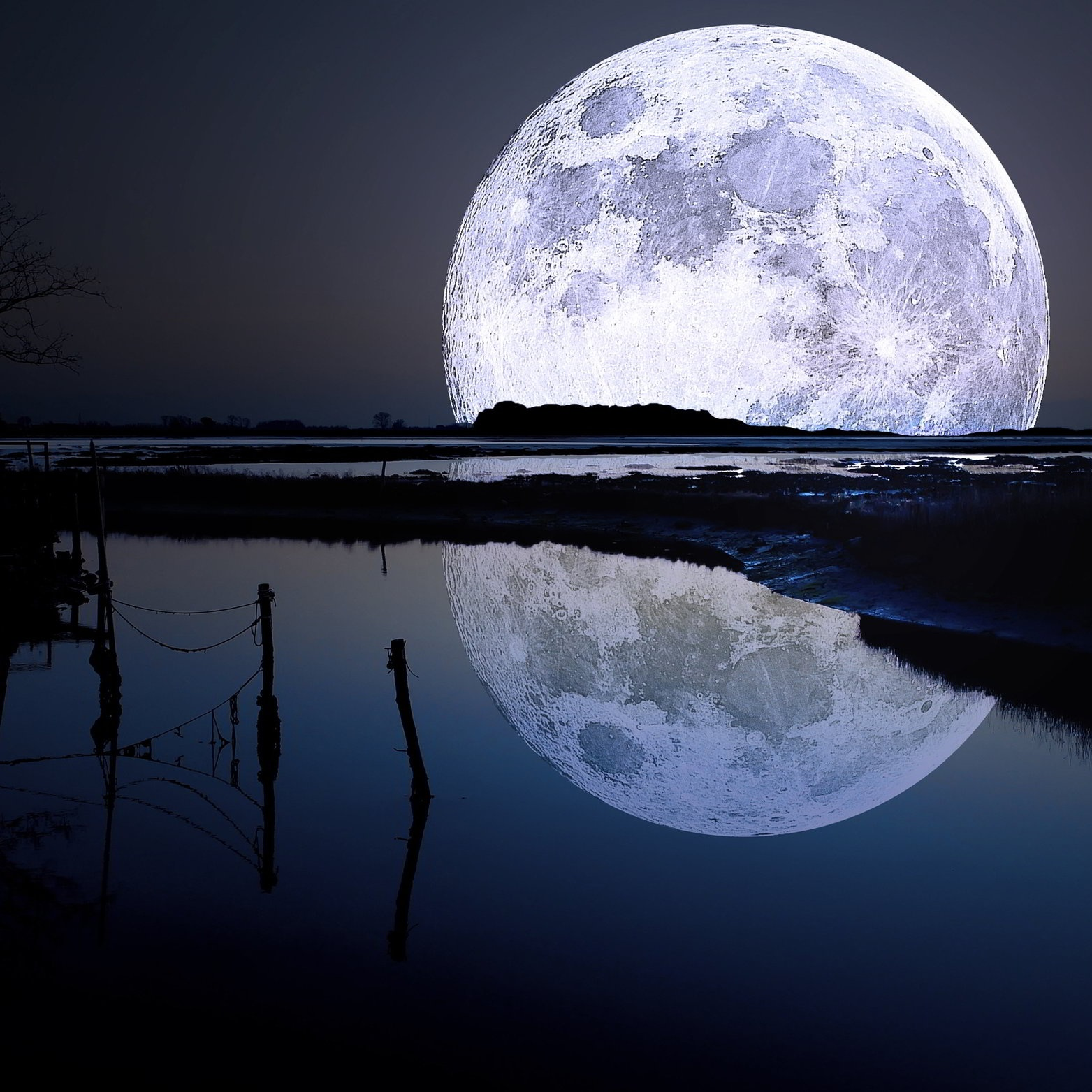 full-moon-lagoon-1.jpg