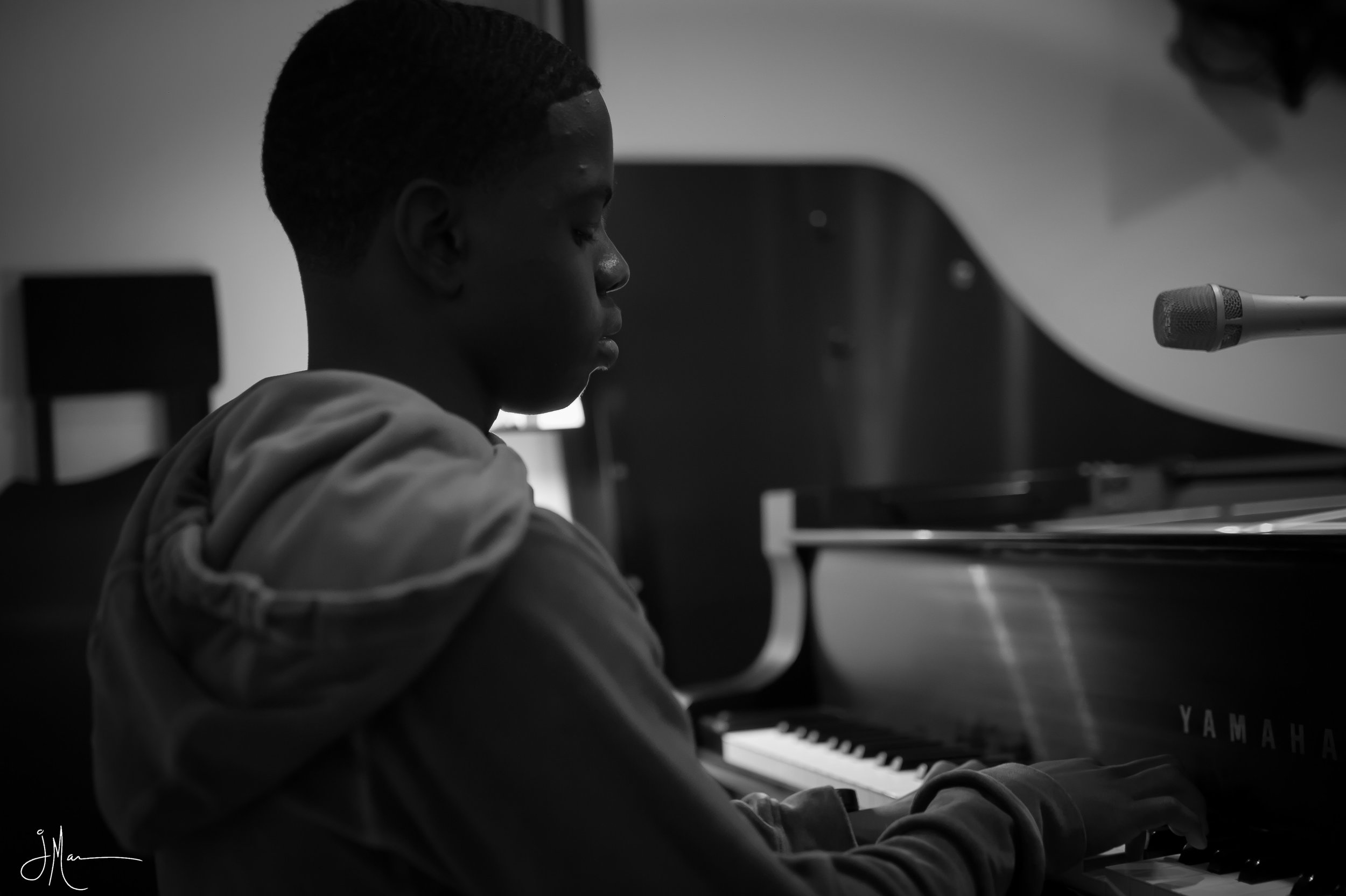 20181104_00025-B DAy and Piano.jpg