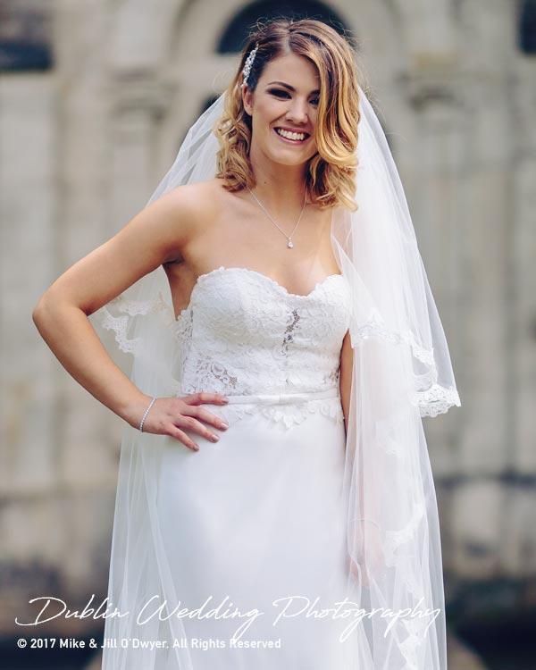 Cliff at Lyons Wedding Photographer Bride at lake3