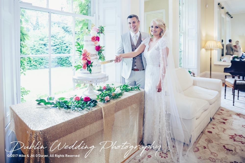 Wedding Photographers Trudder Lodge Cake Cutting