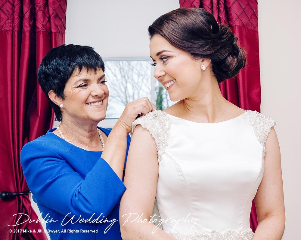 Castle Durrow Wedding Photographer County Laois Bridal Prep With Mum