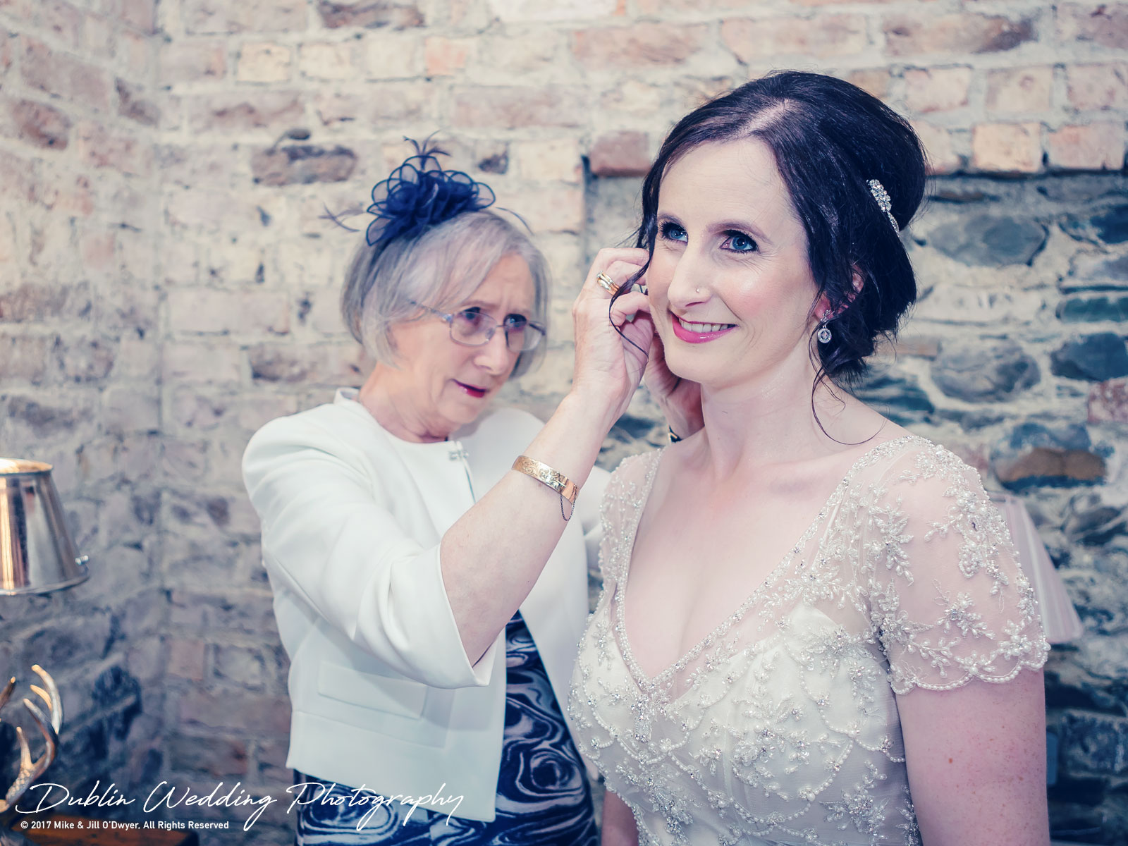 018-shane-sarah-bellingham.jpgBellingham Castle, Wedding Photographer, Louth, Dublin, Bride & Mum getting Ready