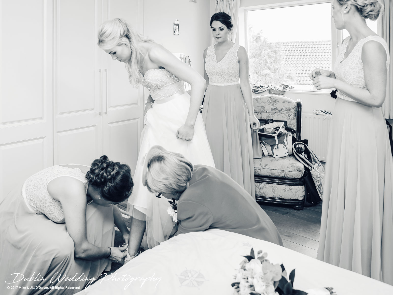 kclub-2017-004.jpgK Club, Kildare, Wedding Photographer, Dublin, Bride and Bridesmaids getting ready