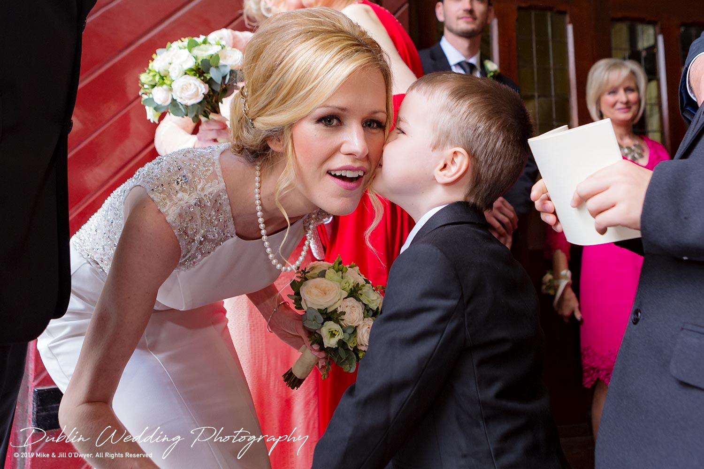 wedding-photographers-dublin-luttrellstown-castle-2016-17.jpg