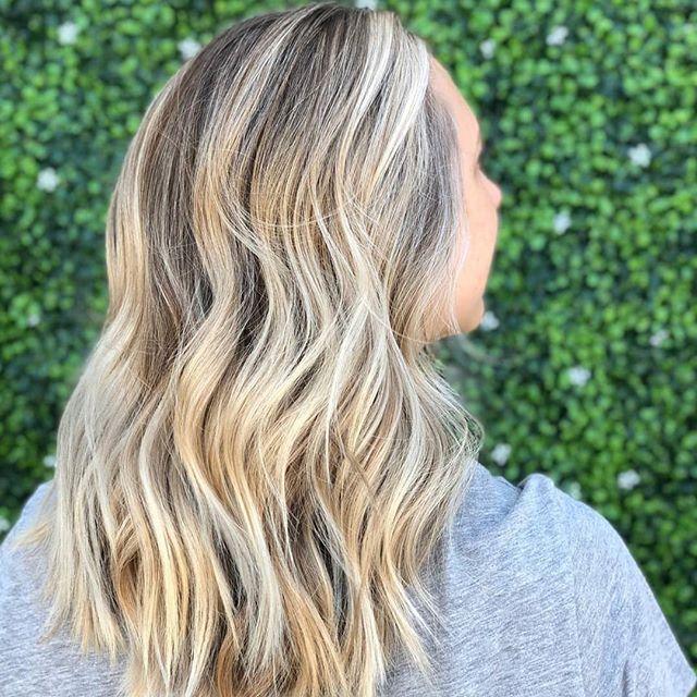 Sunny Blonde by @thekindredbeauty •• Book Now www.framedsalon.com •••#getframed #wholebeingbeauty #losangeles #santamonica #lahairsalon #santamonicasalon #selfcare #selflove #beautyrituals #hairsalon #blondebalayage #hairgoals