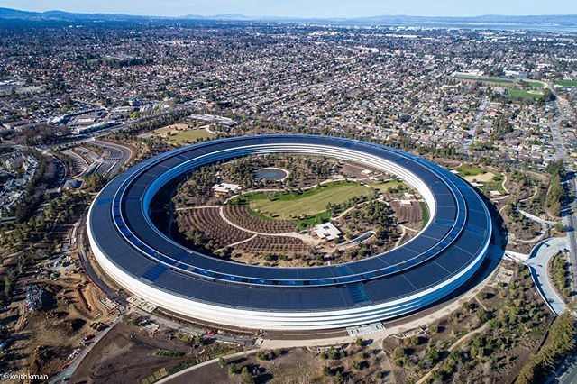 Apple's new campus at 1 Apple Park Way is really looking good. Has a UFO landed in Silicon Valley? 🛸