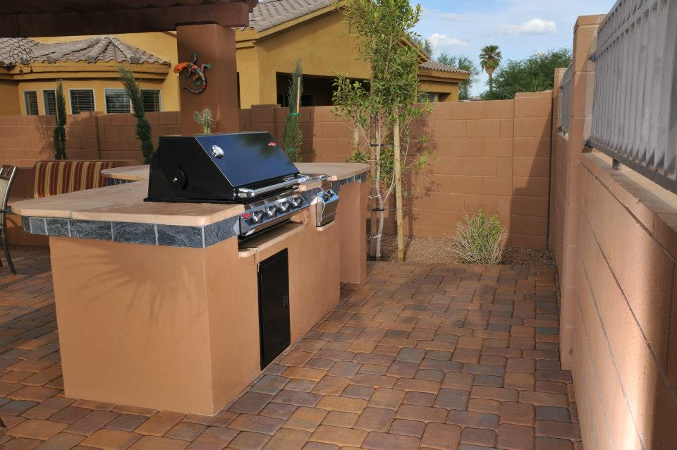 Close up L shaped BBQ Island with Tile Facia.jpg
