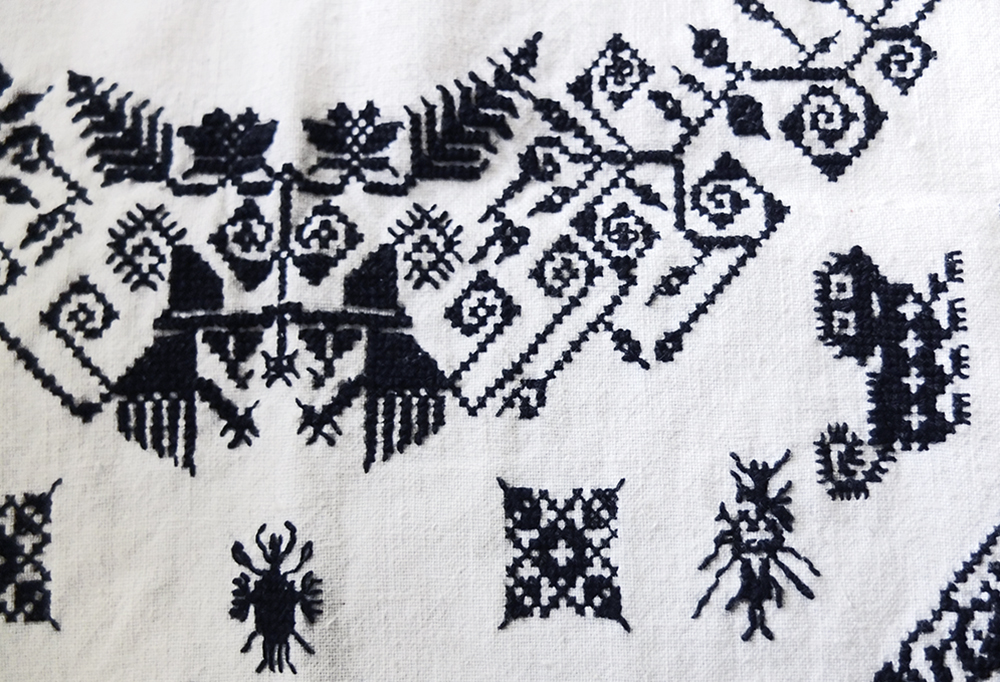 miao-double-sided-blackwork-embroidery4