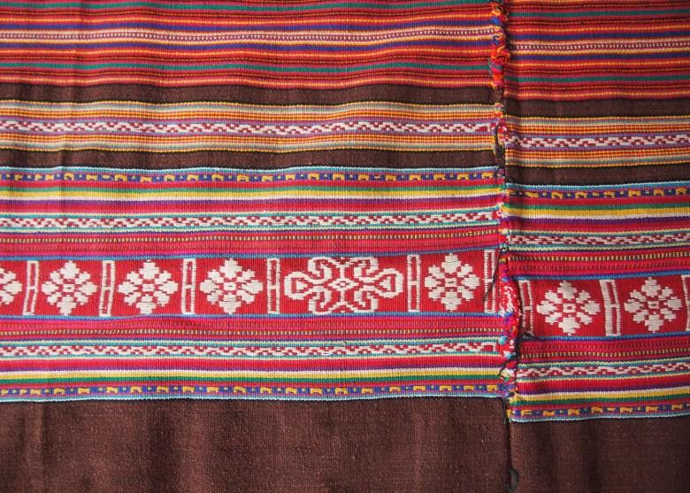 tais-cloth-timor-leste2