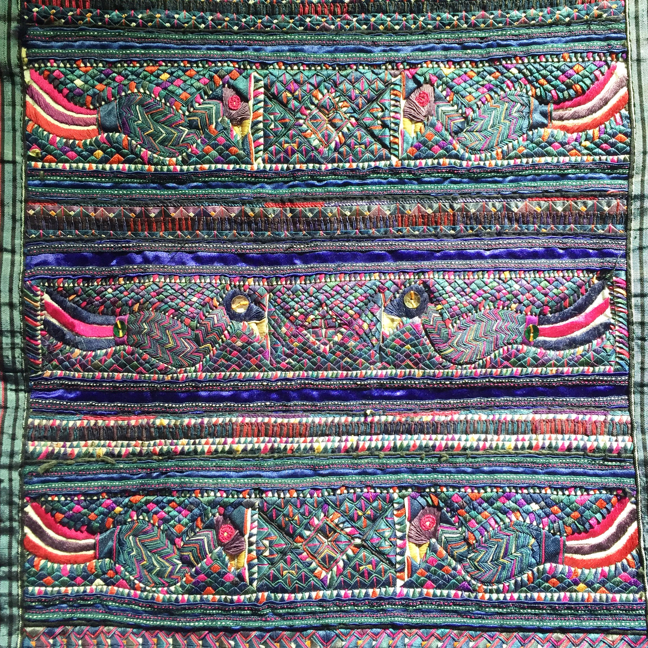 miao-folded-cloth-piecework-china3