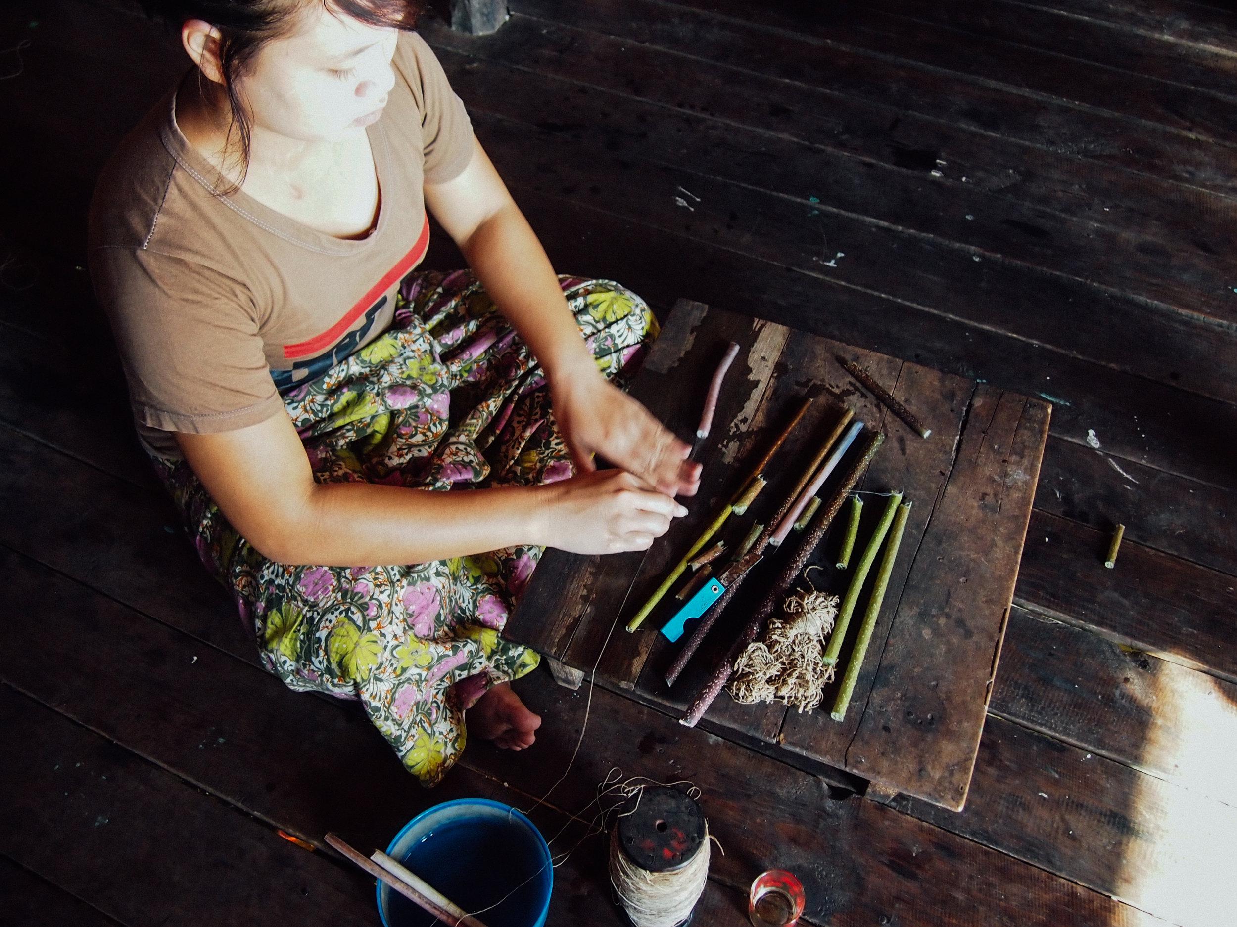 lotus-weaving-myanmar9