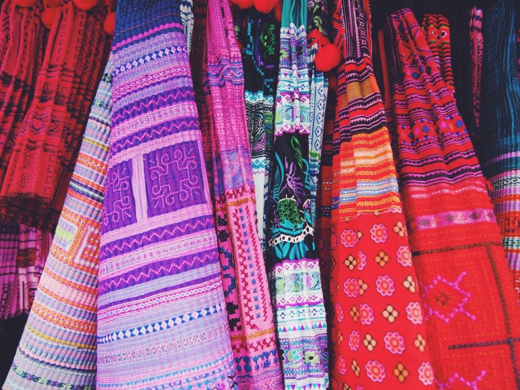 warorot-lamyai-hmong-markets-thailand7