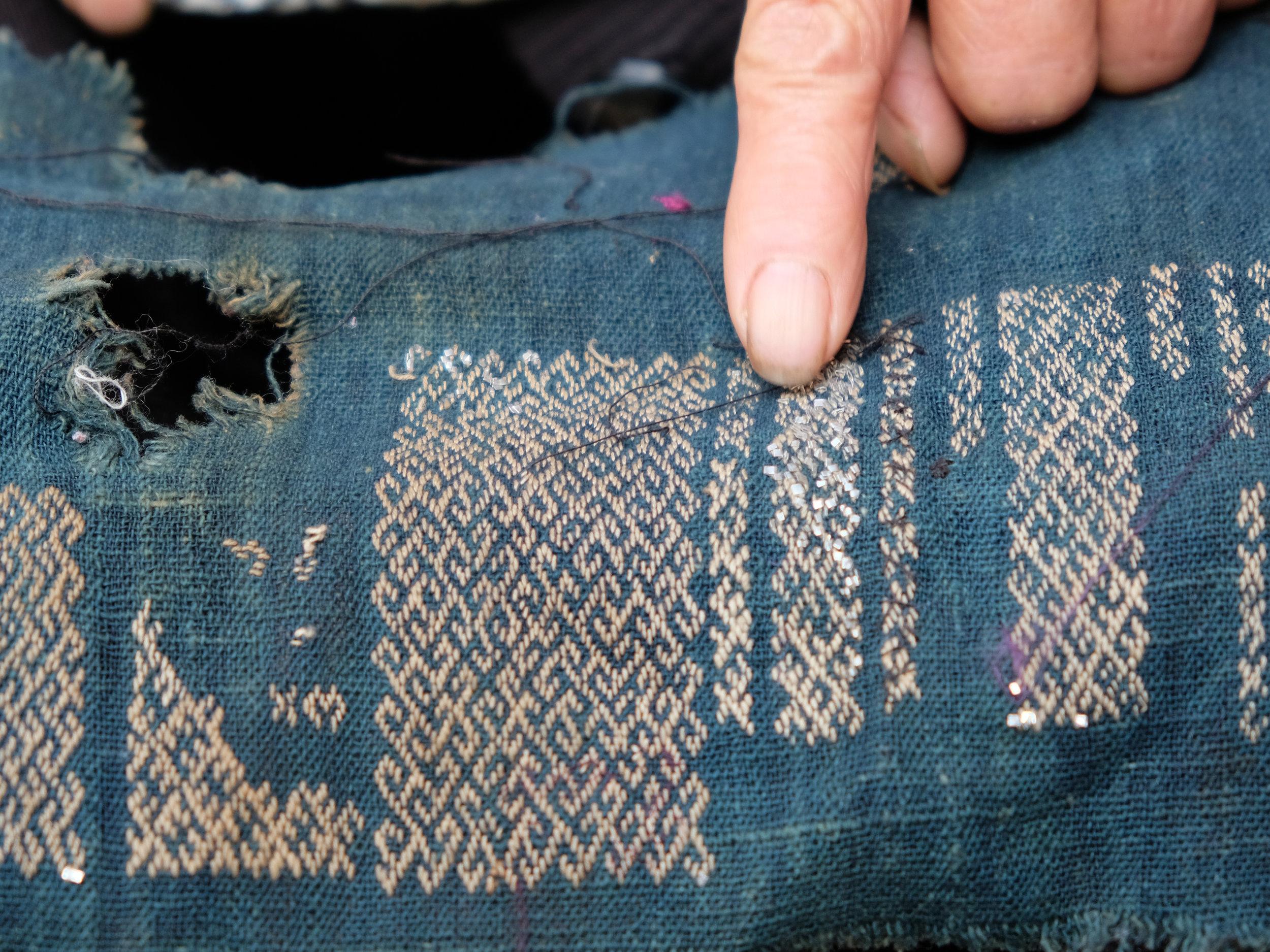 miao-tin-gimp-embroidery-in-zhanliu-china22