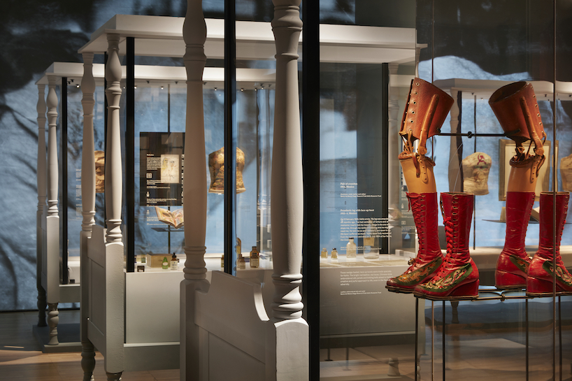 V&A  Frida Kahlo: Making Herself Up . Image from Designboom